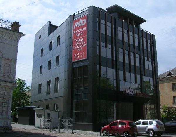 Комплексное оформление фасада ресторана - брандмауэр