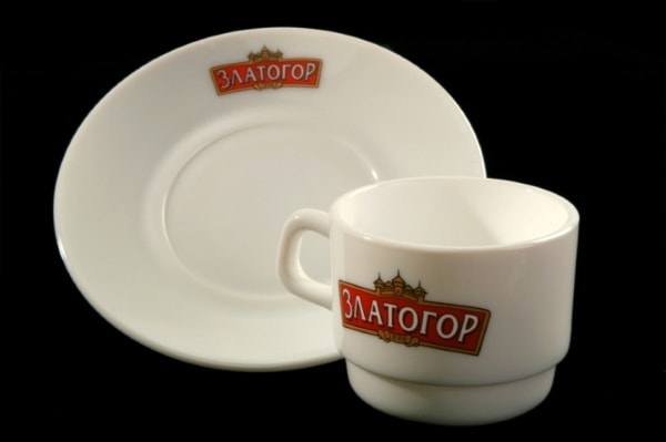Чашки, блюдца с логотипом, символикой компании