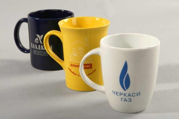 Нанесение логотипа, печать на чашках