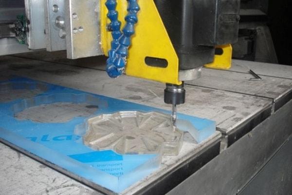 Фрезерування, розкрій листових матеріалів