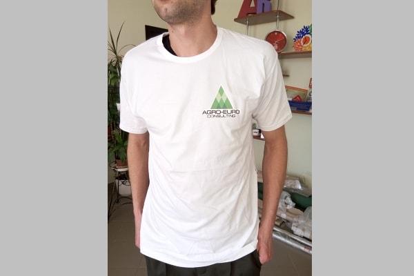 Корпоративные футболки с логотипом