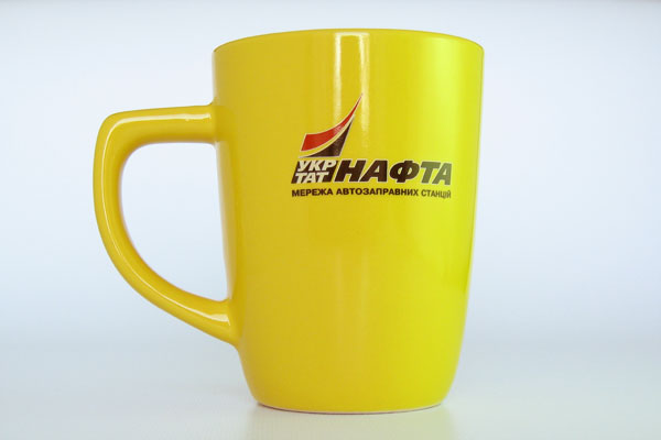 Нанесение логотипа на чашки