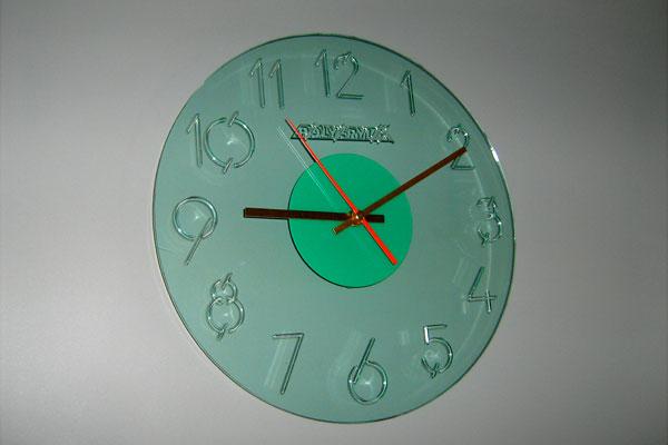 Настенные часы из акрила