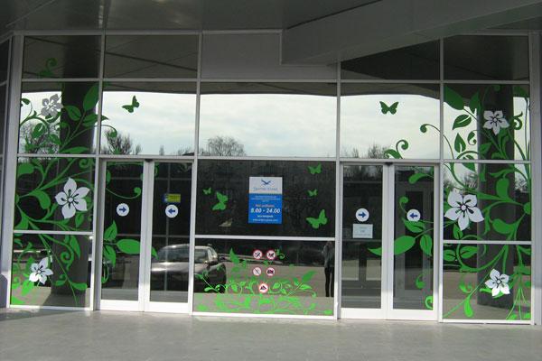 Оформление витрин торгового центра