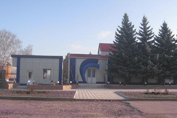 Оформление фасада завода композитными панелями
