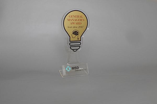 Корпоративная наградная статуэтка с символикой компании