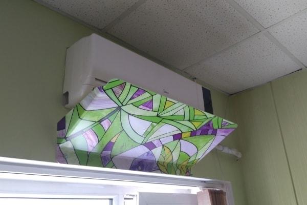 Захист від потоків холодного повітря кондиціонера - захисні екрани