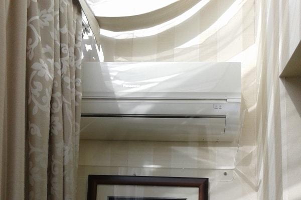 Защитный экран, дефлектор для кондиционера в квартиру из прозрачного акрила (оргстекла, пластика)