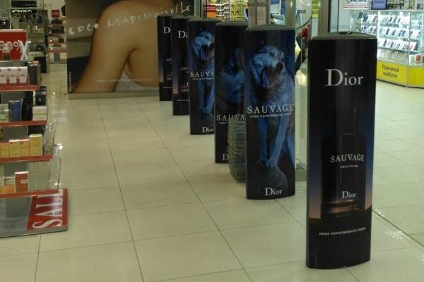 Рекламне оформлення систем антикрадіжки для магазину в торгівельному центрі