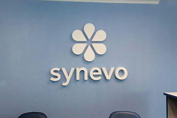 Виготовлення логотипа для лабораторії Synevo